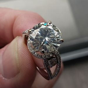 3.15 carat Moissanite ring size 6